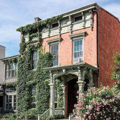 These Homes Will Make You Want To Run Away To Hudson