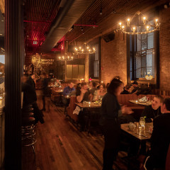 Why Is Everyone Freaking Out About Au Cheval In NYC?