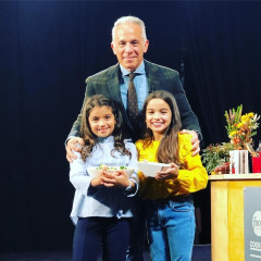 Chef Geoffrey Zakarian's Daughters Are The Cutest Little Movers & Shakers