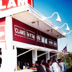 Breakfast... At Clam Bar?