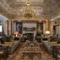 Inside The Opulent Tuscan Villa Of Valentino Garavani