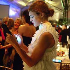 Dafydd Jones Captures Society's Dirty Secret: Everyone Is On Their Phones