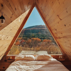 8 Rustic Escapes In Upstate New York Perfect For A Fall Getaway