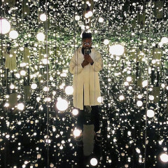 NYC's New Yayoi Kusama Infinity Room Is About To Take Over Your Insta Feed