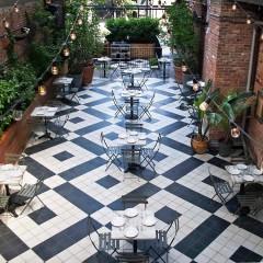 Williamsburg's Celeb-Favorite Hot Spot Is Open For Secret Garden Dining