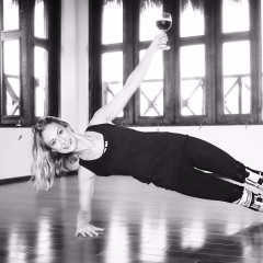 Vino Vinyasa?! Sweat & Sip With Rosé Champagne At This Virtual Yoga Class