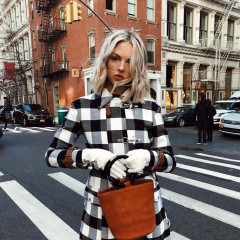 14 Stylish Gloves You Need Now That It's Cold AF Outside