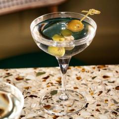 $10 Martini Mondays At American Bar