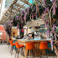 A Flower-Filled Rosé Bar Is Taking Over This NYC Rooftop For The Summer