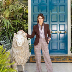 Of Course Cara Delevingne's L.A. Mansion Is A Trippy, Maximalist Wonderland