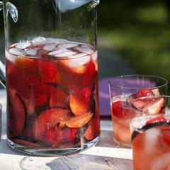 May We Introduce You To Ina Garten's Summer Rosé Sangria?