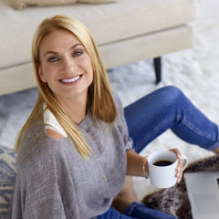 How RHONY Alum Heather Thomson Is Cutting Through All The BS Of The Wellness Industry