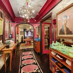 Inside Gloria Vanderbilt's Glamorous, Anything-But-Boring Beekman Place Apartment