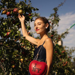 Everything You Need For A Stylish Apple Picking Adventure This Fall