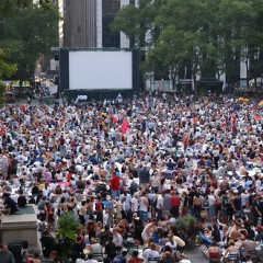 FREE Movies + Bryant Park = A Happy Monday Night In NYC