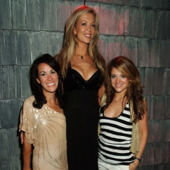Alexis Skye, World's Tallest Model, Does The Hamptons