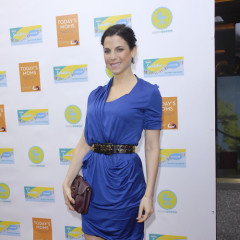 Jessica Seinfeld Brings Her Buggy Out for