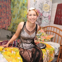 STAUNCH! Welcomes You To The Wacky World Of Grey Gardens Fans, And Then Some