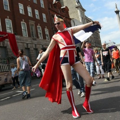 Over The Rainbow: London Gets Colorful During Pride 2009