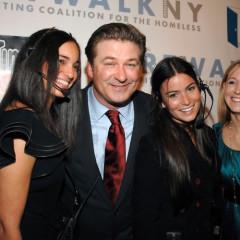 Alec Baldwin Hosts Artwalk NY To Benefit The Homeless