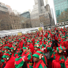 Photo Of The Day: Santa Is So 2008; This Year Is All Elves