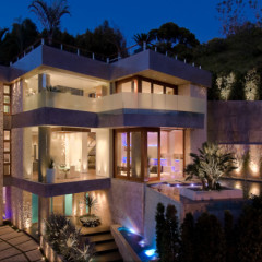 Beverly Hills Home Of The Day Hits The Market