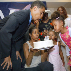 Sign Barack's Birthday Card!