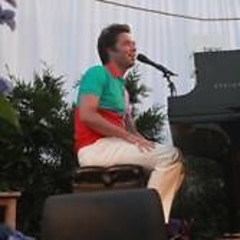 Rufus Wainwright Rocks For A Private Crowd At Sole East In Montauk
