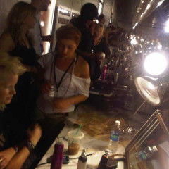 A Backstage Timeline Of The Fashion's Night Out Runway Show