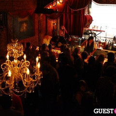 DrinkTheDeal Celebrates Launch With Open Bar & Performances At Theater Bar