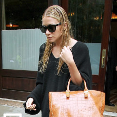 Mary-Kate & Ashley Olsen Model The Row's Upcoming Debut Handbag Line In Real Life