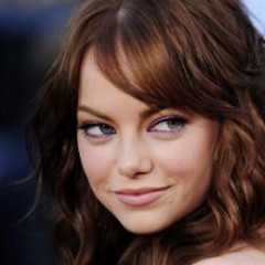 Daily Style Phile: Emma Stone Shows That Funny Girls Finish First