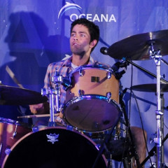 Adrian Grenier Rocks Out On The Drums In The Hamptons