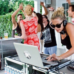 Interview: Fashionista And DJ Chelsea Leyland Talks About Her MTV Show And The Hottest Music Right Now