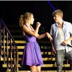 VIDEO: Justin Bieber Gives Surprise Performance At Taylor Swift Show, L.A. Swoons