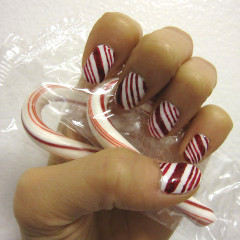 Nail Some Holiday Style With These DIY Festive Nail Designs