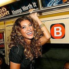 10 Celebrities Riding The Subway, Photos