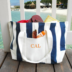 7 Beauty Essentials For Your Beach Bag