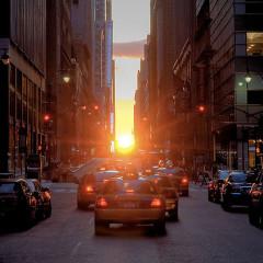 Manhattanhenge: Sungazing At Its Finest