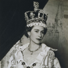 Queen Elizabeth's Crown Gets Redesigned For Diamond Jubilee