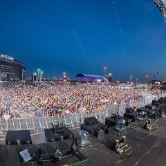 Photo Round Up: The Electric Daisy Carnival Comes To Town With Avicii And More!