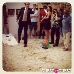 Best $2k I Ever Spent! Mayor Gray Plays Cornhole At New York Avenue Beach Bar