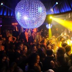 Tiesto DJs For Huge Crowd At LAVO On Wednesday Night