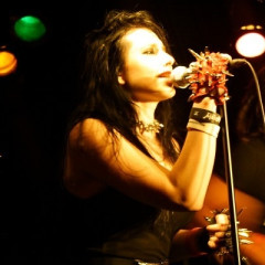 Madame Mayhem Rocks The Viper Room, With Johnny Depp's Guitar