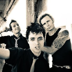 ALERT: Green Day Is Playing The Echoplex Tonight (& Tickets Haven't Gone On Sale Yet)