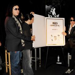 Last Night's Parties: Guitar Center's RockWalk Honors Alanis Morissette, KISS Celebrates Monsterbook & More!