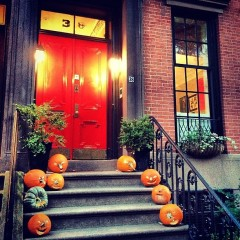 New Yorkers Trick Out For Halloween