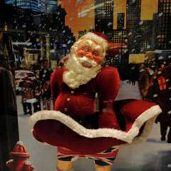 Skinnie Minnies & Flashing Santas Spark Controversy: The Most Shocking Holiday Window Displays