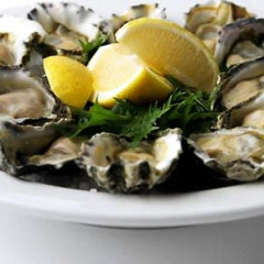 The Best Happy Hour Deals For Oyster Lovers