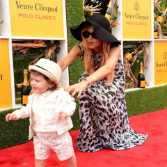 The Top 10 Celebrity Mom Moments On The Red Carpet